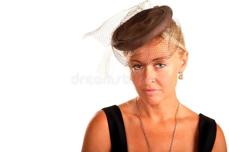 det härliga huvudet henne skyler kvinnan fotografering för bildbyråer