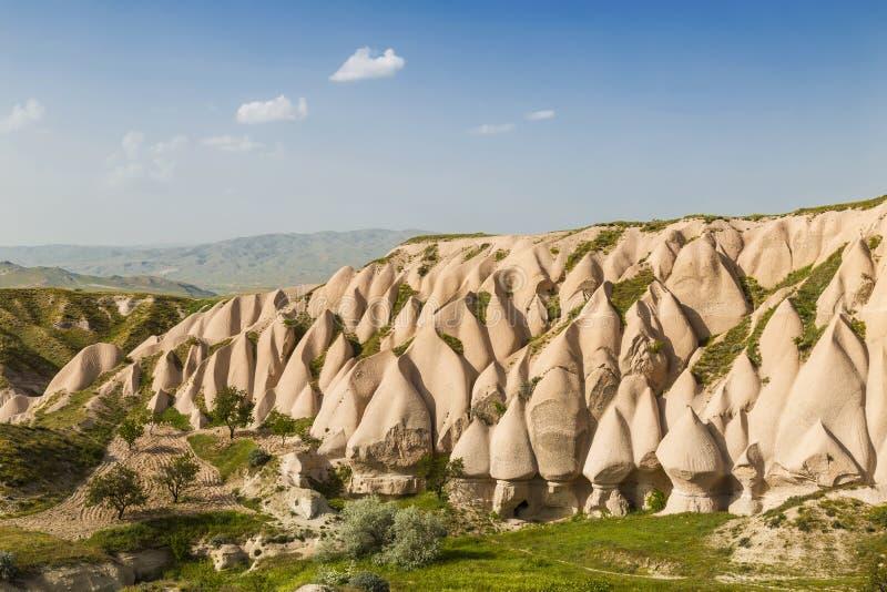 Det härliga karga landskapet, rosa färg vaggar, Goreme, Cappadocia arkivbild