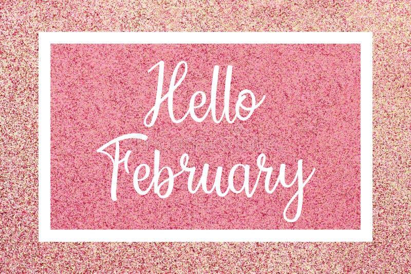 Det Hello Februari hälsningkortet med vit text över en rosa färg blänker bakgrund royaltyfri foto