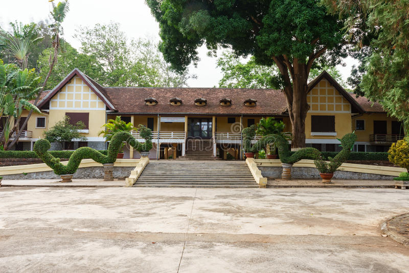 Det historiskt och spåret (den Bao Dai slotten), Buon morThuot stad, Dak Lak, Vietnam arkivfoton