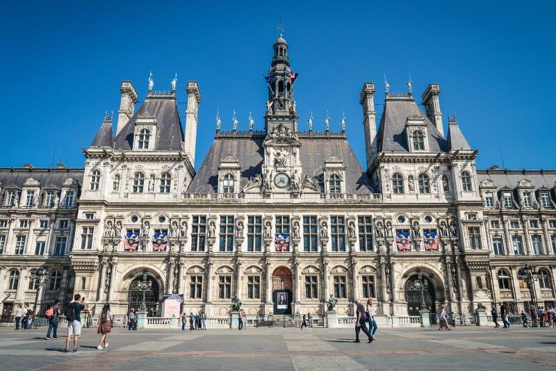Det hotellde Ville stadshuset i Paris, Frankrike royaltyfri bild