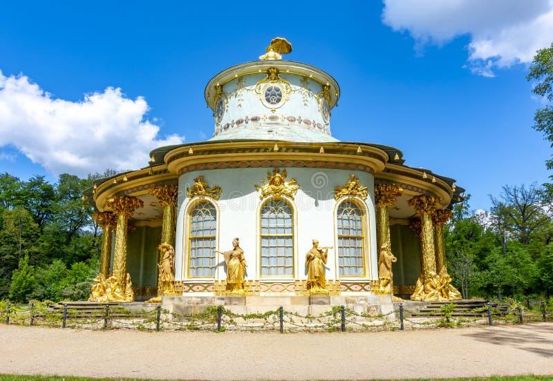 Det kinesiska huset i Sanssouci parkerar, Potsdam, Tyskland royaltyfria bilder