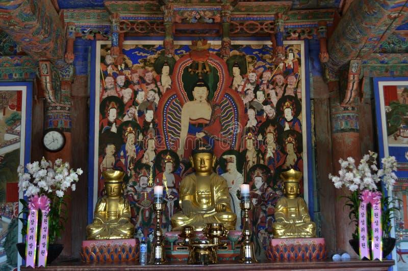 Det koreanska buddistiska altaret Pic togs i Augusti 2017 Transla royaltyfria bilder