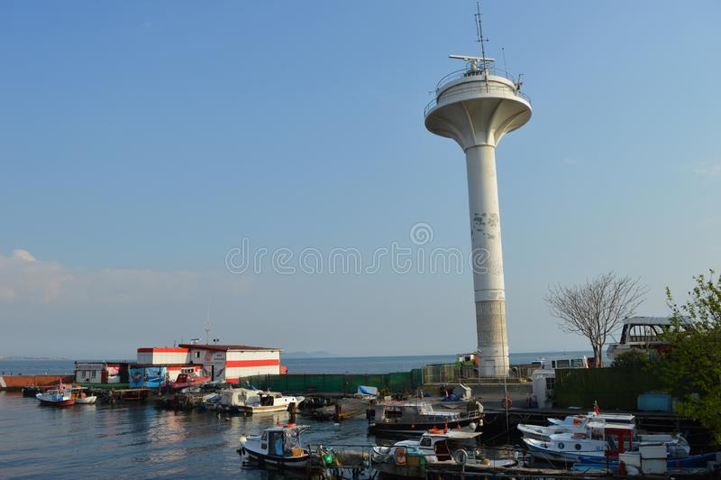 Det marin- radartornet, radiosänder tornet arkivbilder