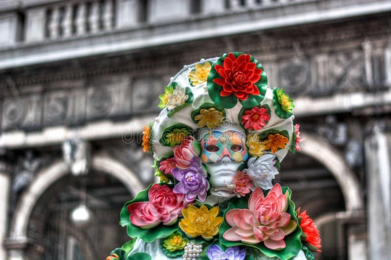 det melankoliskt av karnevaldräkten i Venedig royaltyfri foto