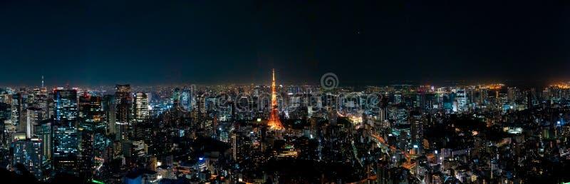 Det mest härliga synvinkelTokyo tornet i den tokyo staden, Japan arkivfoton