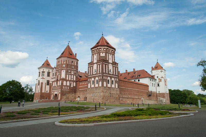Det Mirsky slottkomplexet är en UNESCOvärldsarv i Bel fotografering för bildbyråer