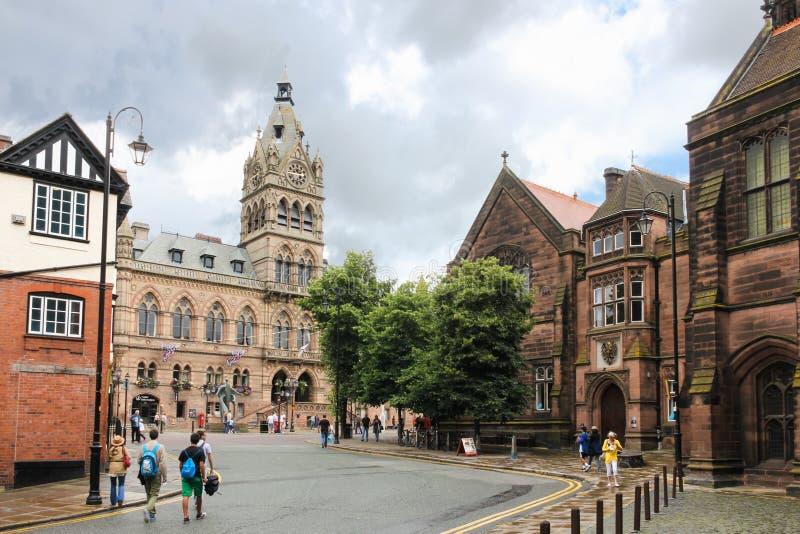 Stadshus som beskådas från Werburgh. Chester. England royaltyfria foton