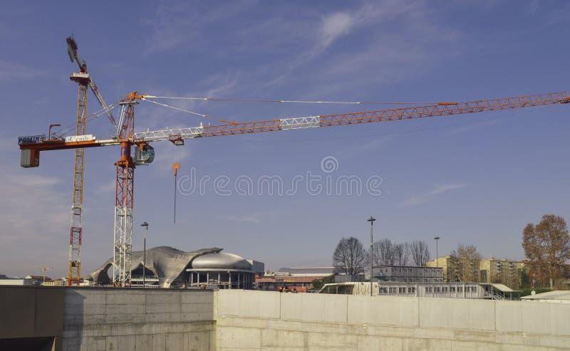 Det nya tornet kallade ` den krökta en `en som konstruerades med den MiCo Milano regelmitten i bakgrund arkivfoto