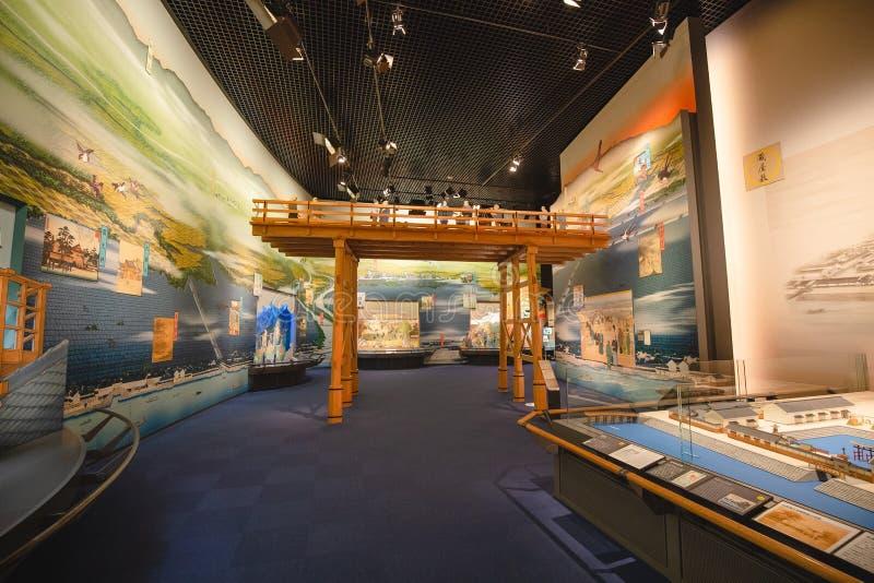 Det Osaka historiemuseet i osaka Japan, m?nga personer kommer h?r dagligt royaltyfri foto
