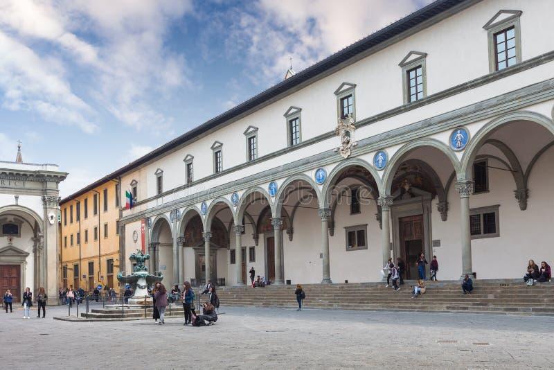 Det Ospedale degliInnocenti sjukhuset av oskyldigen vid Bru royaltyfri foto