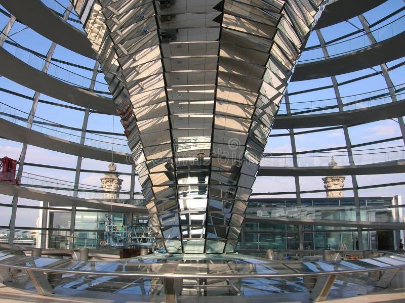 Det Reichstag taket i Berlin arkivbild