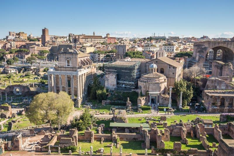 Det roman forumet i Rome, Italien arkivfoton
