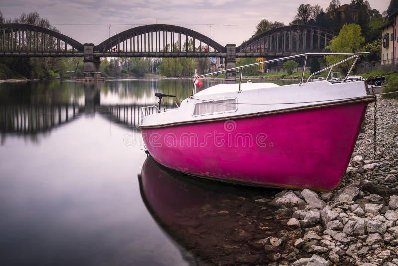 Det rosa fartyget royaltyfri foto