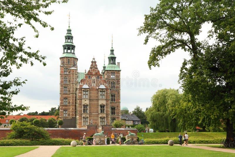 Det Rosenborg slottet är slottet som placeras på Köpenhamnen arkivfoton
