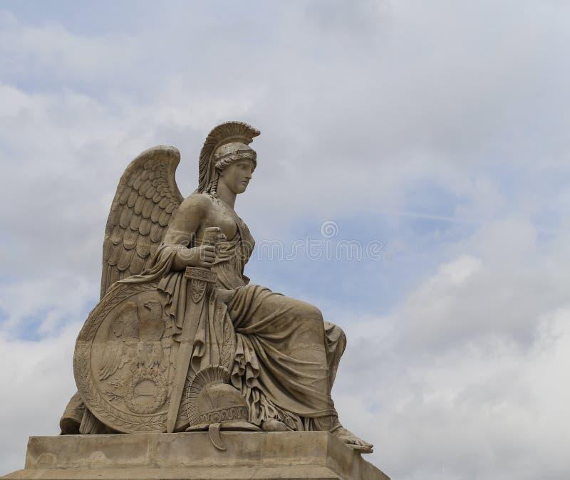 Det skulpturyttersida le luftventil museet, paris, Frankrike royaltyfri bild