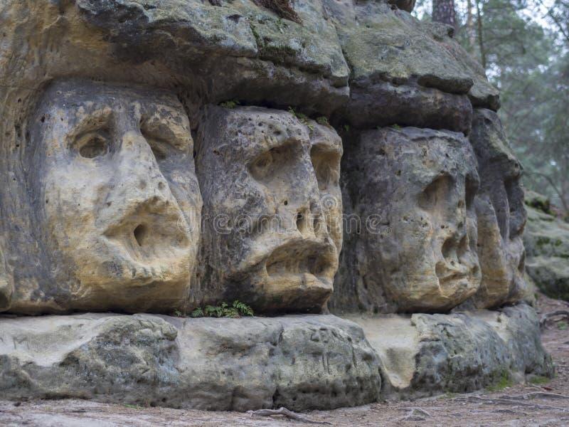 Det stora huvudet som huggas i 1846 av Vaclav Levy till sandstenen, vaggar royaltyfri bild