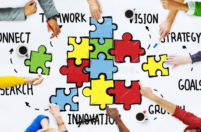 Det teamworkTeam Connection Strategy Partnership Support pusslet lurar arkivfoton