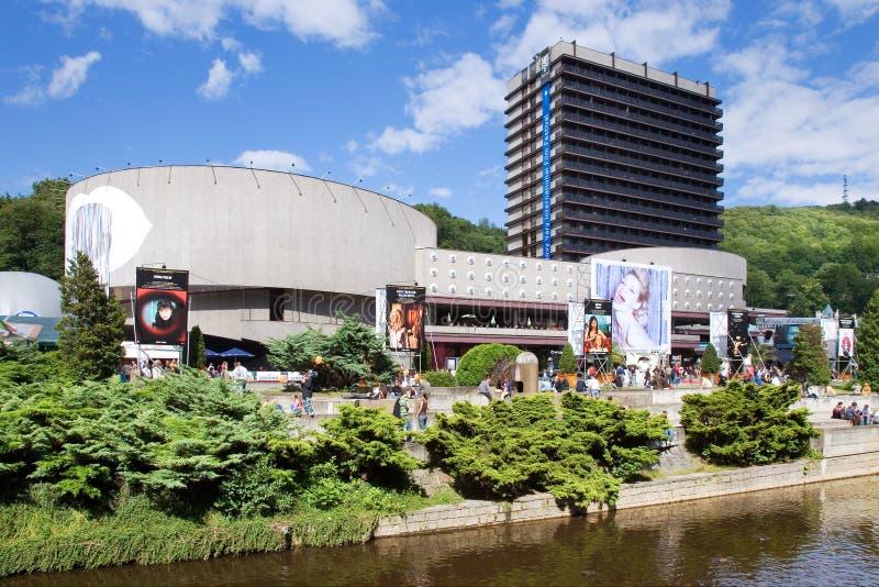 Det termiska hotellet i brunnsortstaden Karlovy varierar, västra Bohemia, Tjeckien arkivfoton