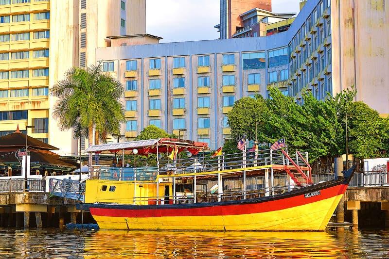 Det traditionella fartyget som parkeras på hotellet royaltyfri foto