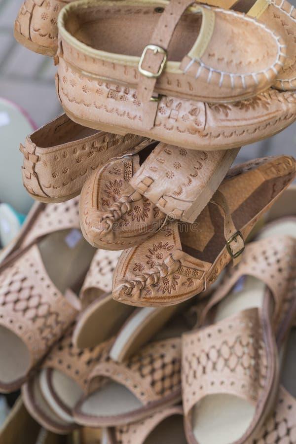 Det traditionella polska läderberget startar för barn som kallas 'K royaltyfri foto