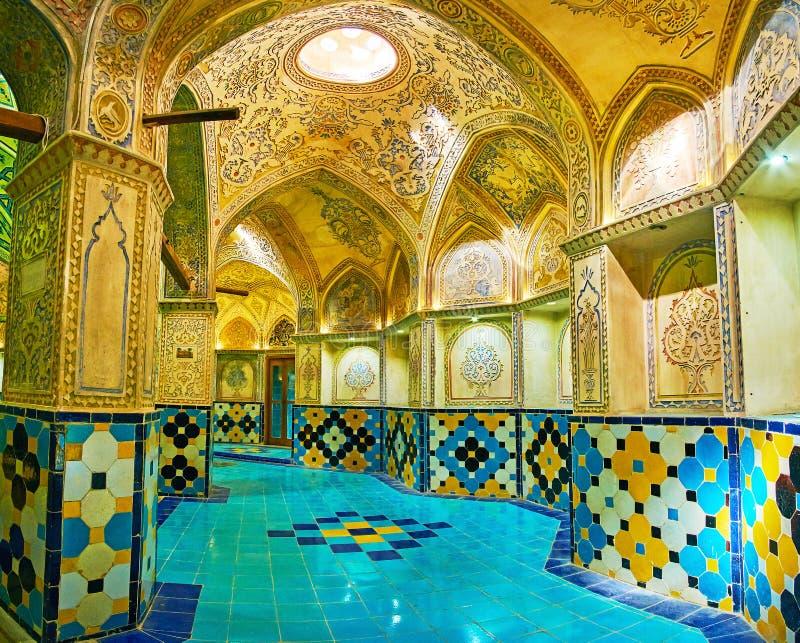 Det välvda gallerit av att klä Hall av Sultan Amir Ahmad Bath, K royaltyfria foton