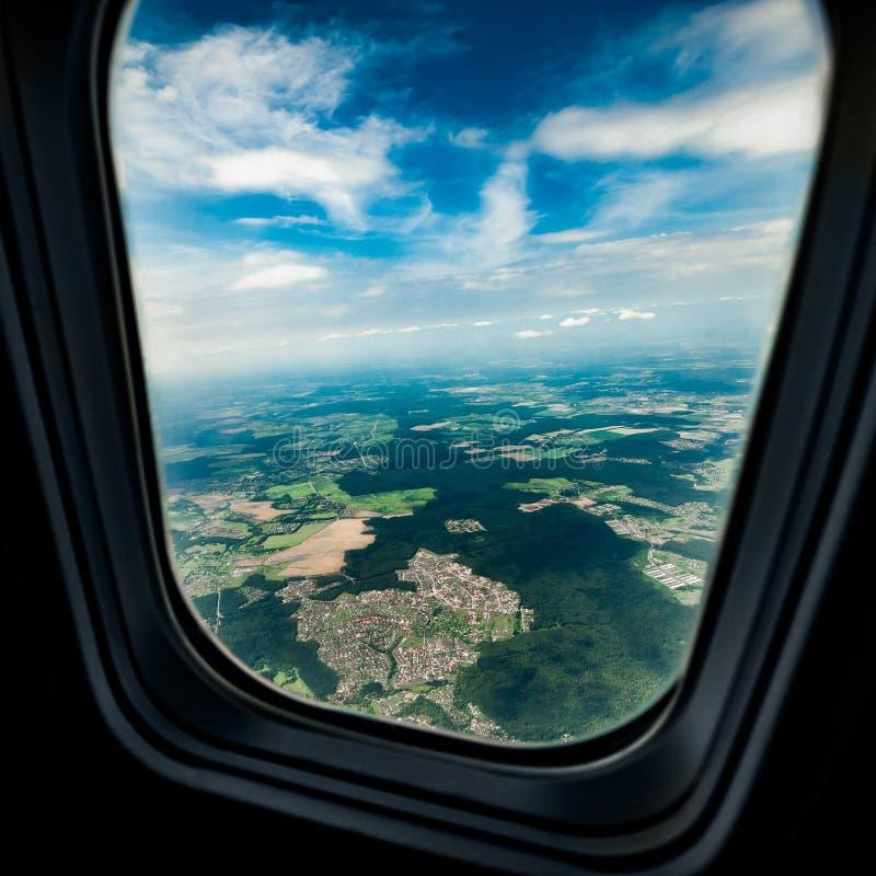 det varaa flygplan har bilden borttagna siktsfönstret royaltyfri foto