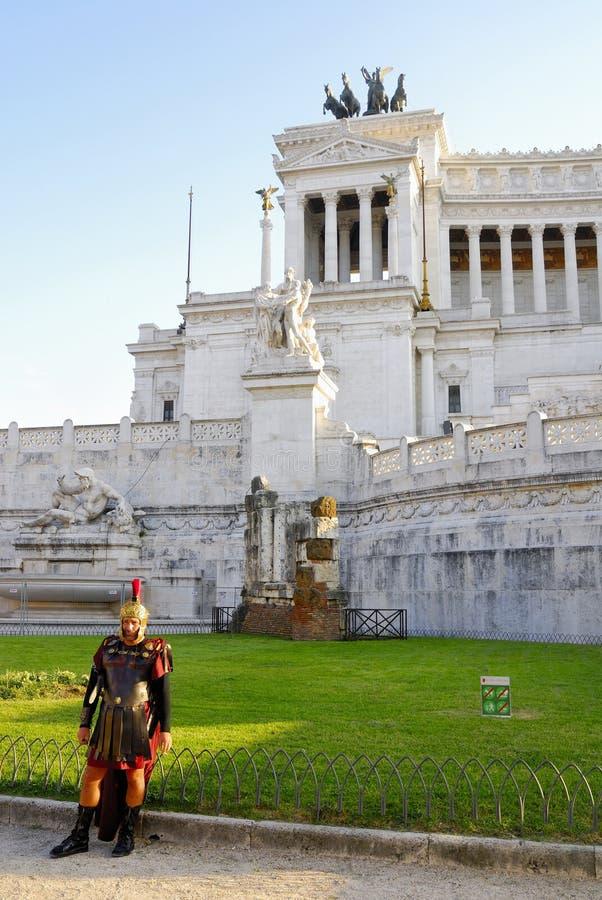 DET VIKTORIANSKT, VITTORIO EMANUELE MONUMENT, VENEDIG PLAZA, HISTORISK MITT FÖR ROME ` S, ITALIEN royaltyfri bild