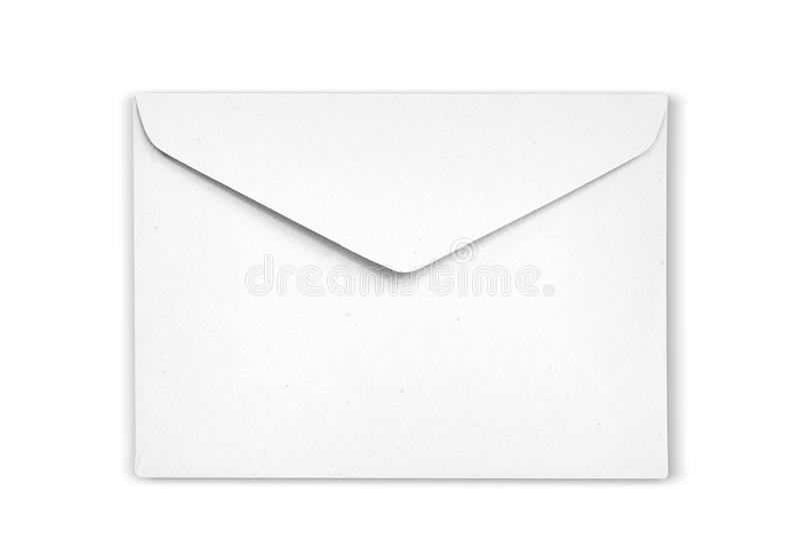 Det vita kuvertet är på vit bakgrund arkivbilder
