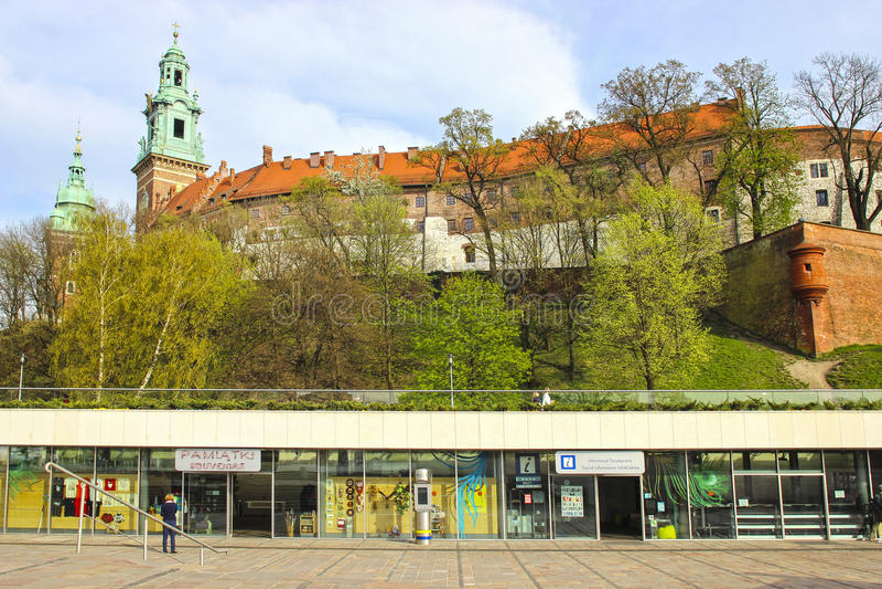 Det Wawel kastet - ett stärkt arkitektoniskt komplex arkivbilder