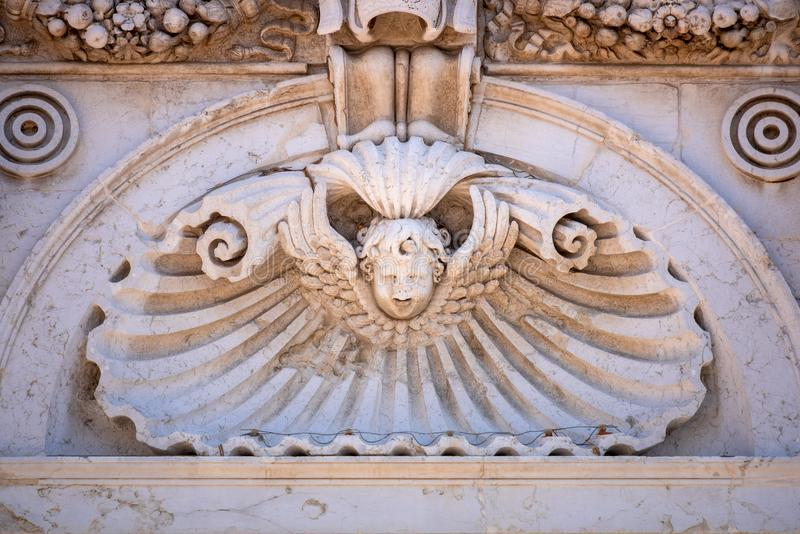 Detail am Basilika della Santa Casa in Italien Marken stockbilder