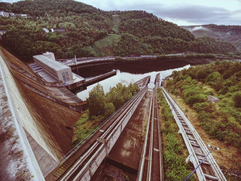 Detail concrete delen van Orlik-de dambouw, Tsjechische republiek stock afbeeldingen