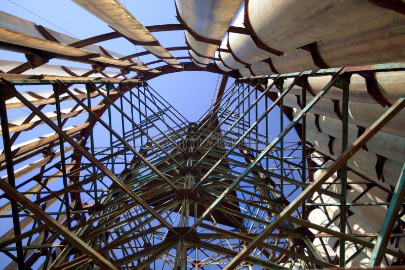 Detail der alten verlassenen Windmühlenstruktur lizenzfreie stockfotos