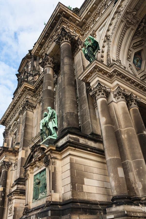Detail der evangelischen Obersten Gemeinde und der Collegekirche in ist lizenzfreies stockfoto