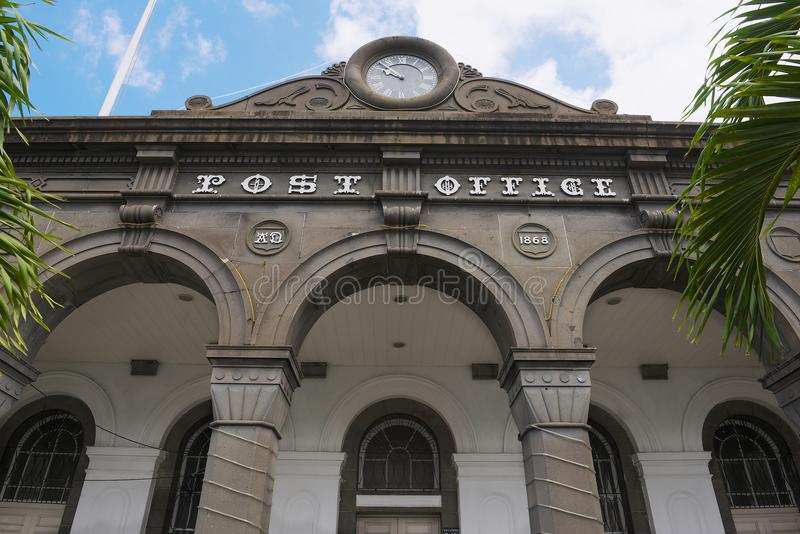Detail der Fassade des historischen Hauptpostgebäudes in Port Louis, Mauritius-Insel lizenzfreies stockfoto