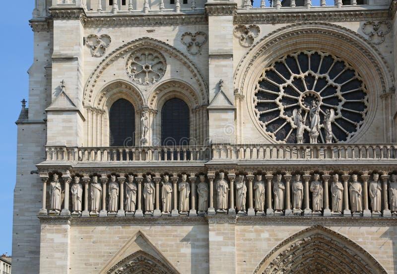 Detail der Fassade von Notre Dame de Paris in Frankreich stockfoto