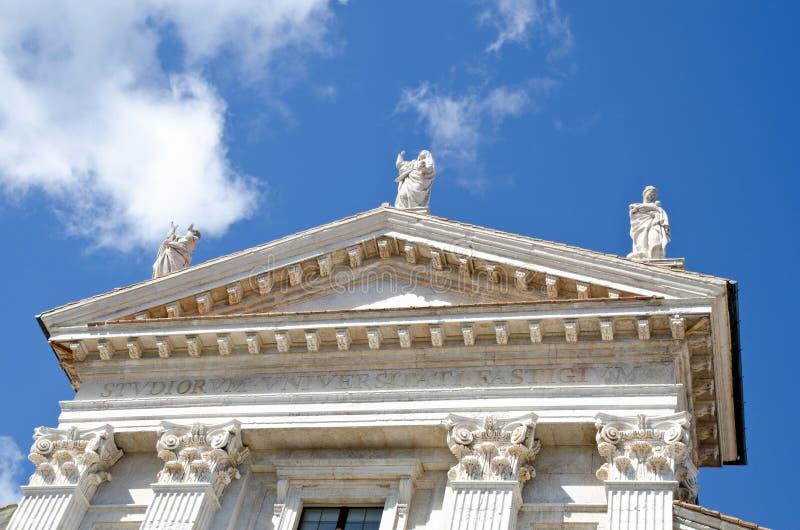 Detail der Statuen Urbino stockbilder