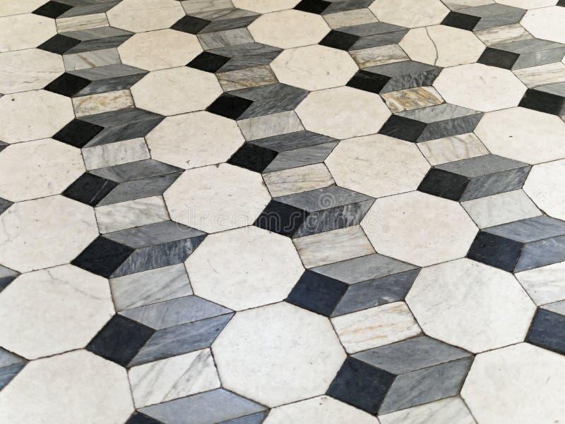 Detail der Steinpflasterung mit Mosaik I stockfoto