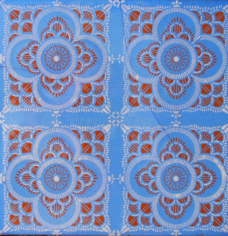 Detail der traditionellen Fliesen von der Fassade des alten Hauses Dekorative Fliesen Valencian traditionelle Fliesen Muster 08 M lizenzfreies stockbild