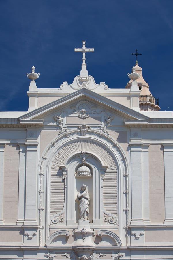 Detail der weißen Kirche im Hafen, Marseille lizenzfreies stockfoto