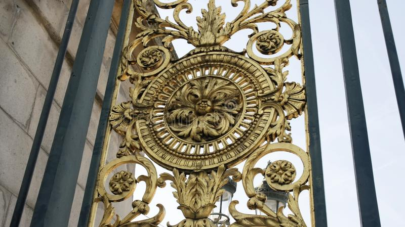Detail des Bronzetors - Tuileries-Garten stockbild