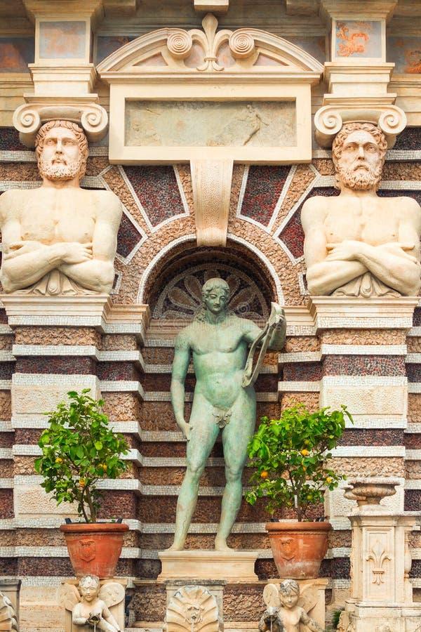 Detail des Brunnens des Organs, ikonenhafter Markstein in Landhaus d& x27; Este, Tivoli stockfoto