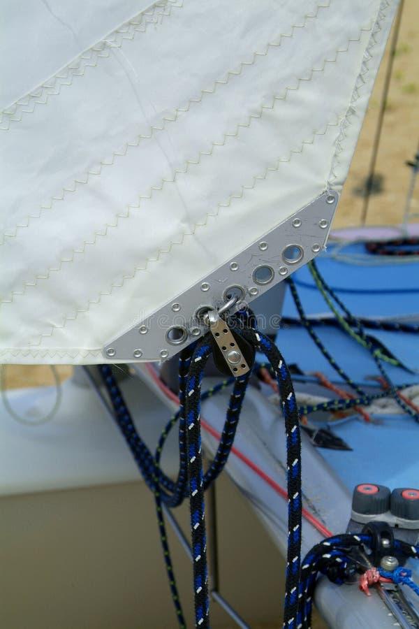 Detail des Katamarankranbalkens stockbilder