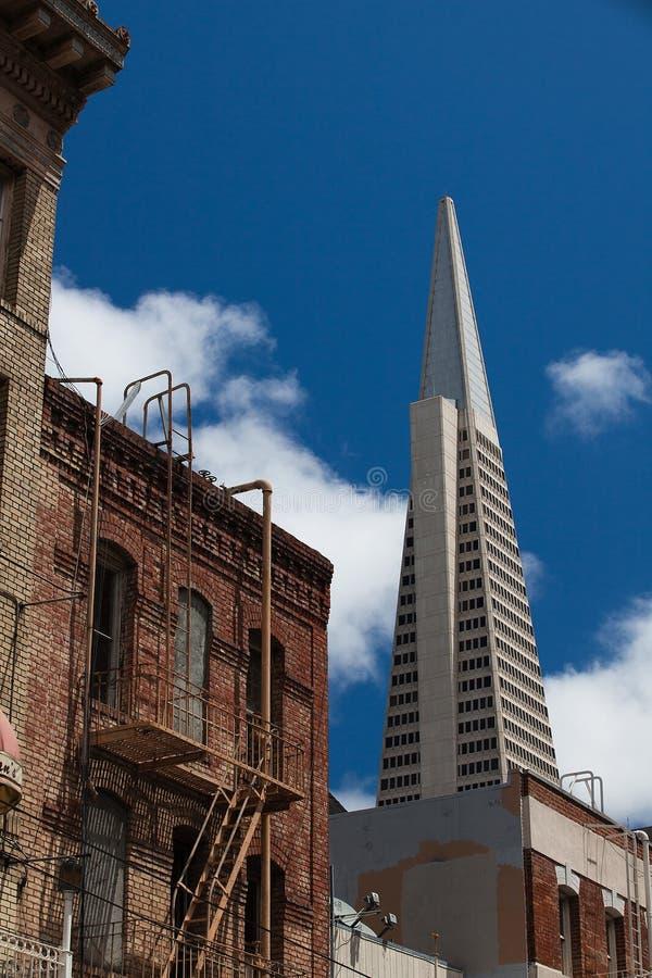 Download Detail Des Transamerica Gebäudes Redaktionelles Stockbild - Bild von anziehung, himmel: 26372824