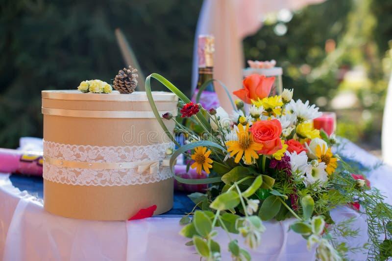 Detail einer Eleganzfarbbandblume stockfotos