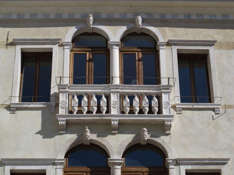 Detail einer schönen Fassade lizenzfreie stockbilder