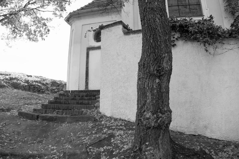 Detail eines Äußeren einer kleinen Kirche lizenzfreies stockfoto