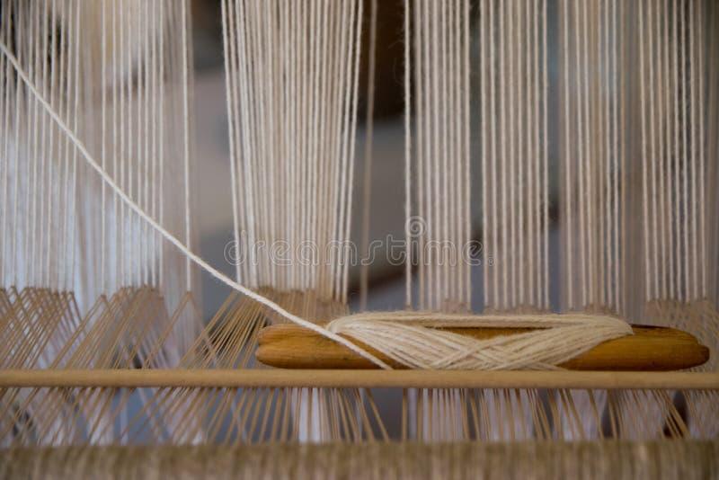 Detail eines Handwebstuhls stockbild