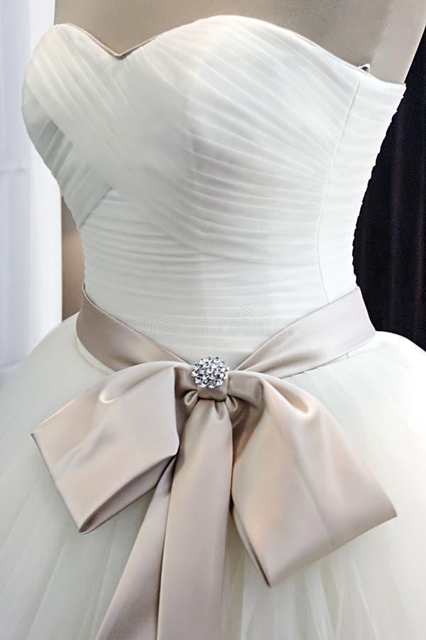 Hochzeitskleid. Detail-8 stockfotografie