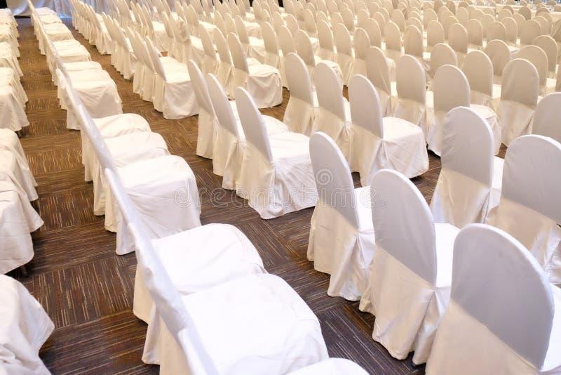 Detail geschossen von den Stühlen eines Konferenzzimmers stockfoto